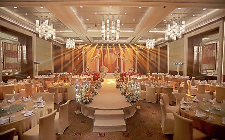 皇家携手喜来登酒店邀您现场观摩蜜桃婚礼展
