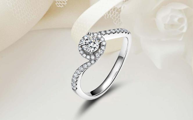 轻奢群镶网红小扭臂更显钻石戒指「彼此 · 恋慕」