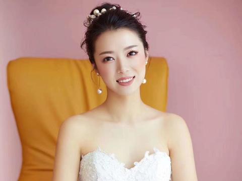 【睫语新娘】首席档化妆师全程跟妆+妈妈妆