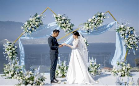 【大理目的地婚礼】苍海高尔夫草坪婚礼