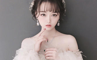 首席化妆师全程跟妆+三服三化