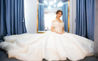 婚纱礼服超值3件套,全场服装任选,送婚礼跟妆