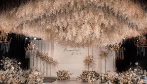 初心动心 西溪宾馆 香槟色简约系 菱形花艺吊顶