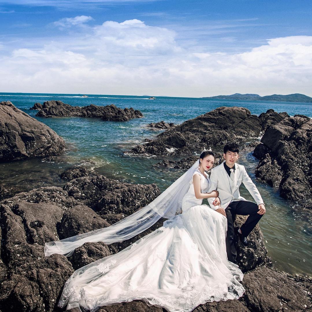 青岛唯美大气婚纱照 服装不限 主题不限