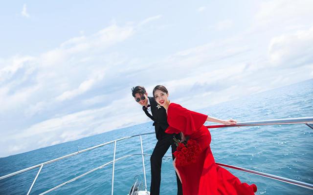 克丽丝汀全球旅拍奢华游艇