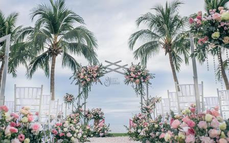 2人蜜月旅行婚礼:酒店+场地+布置+四大金刚全包
