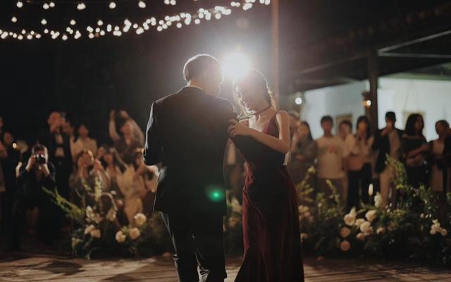 户外婚礼摄影摄像走一波