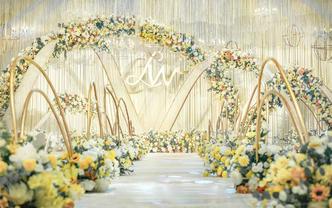 黄白色简约婚礼之选   高端清新特别  送四大