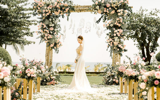 三亚户外草坪婚礼 | 乡村花园风「方圆」