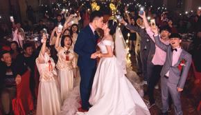 不失传统的红色系婚礼布置