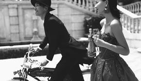 样片研发团队掌镜+VIP私人订制婚纱照