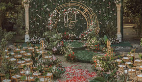 【艺苑花都】20年大热 红色点缀户外婚礼