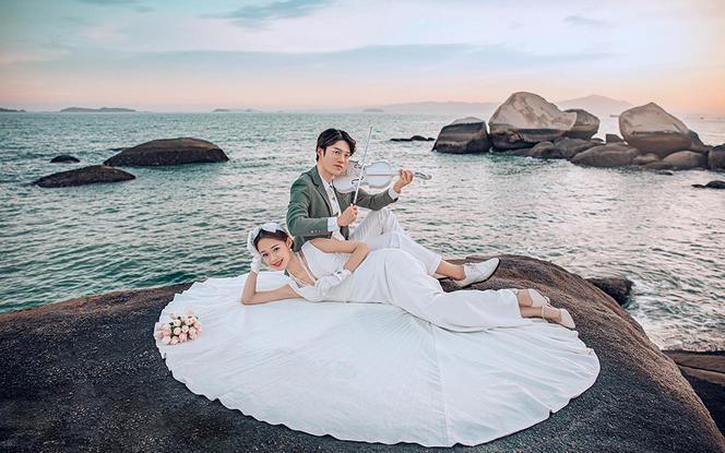 拍完付+海景微电影+送婚纱+高端相框+星级酒店