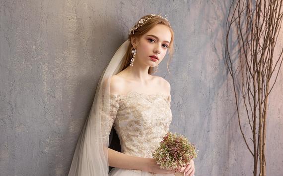 [周年店庆感恩回馈]婚纱礼服三件套+伴娘服