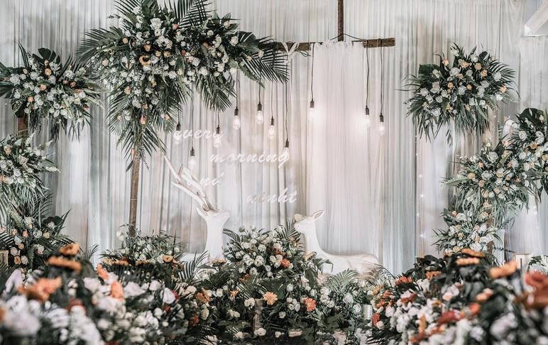 森系清新婚礼含四大  百款婚纱免费送