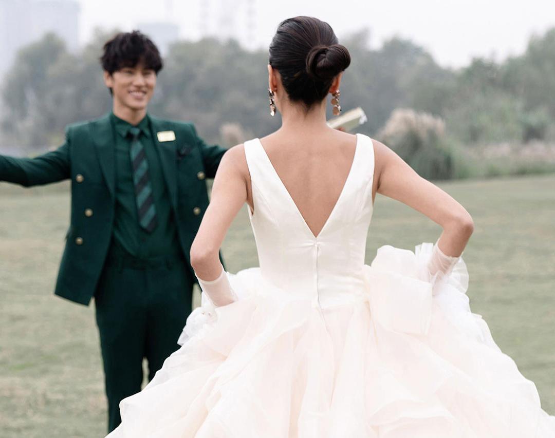 【白城婚纱摄影】12服12造|全程一对一跟踪服务