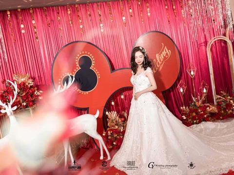 高端定制迪士尼城堡米奇老鼠童话风红金色系婚礼