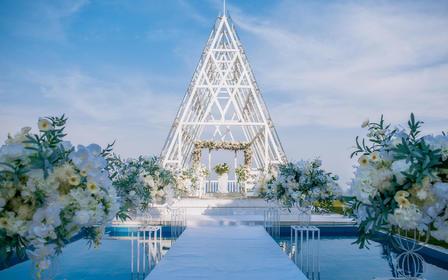 【真实价格】19年热卖水晶礼堂婚礼超值套系