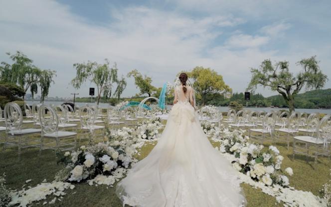 「而且映画」三机位总监摄像 送婚礼当天15秒视频