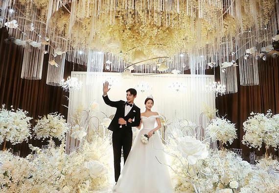 【服务体验PLUS】沉浸式仪式感婚照-世纪婚礼