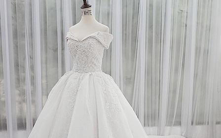 【特惠租赁】2020新品主纱 原创设计手工婚纱