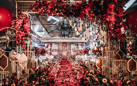 美式红金唯美主题婚礼,花艺布景人员全包