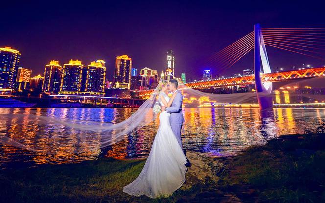 【城市旅拍】12服12造+重庆旅拍婚纱照一对一