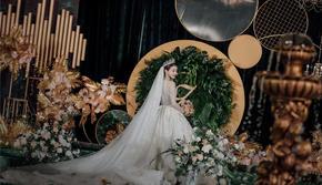 哈尼1:1还原你的梦中婚礼 复古祖母绿香格里拉