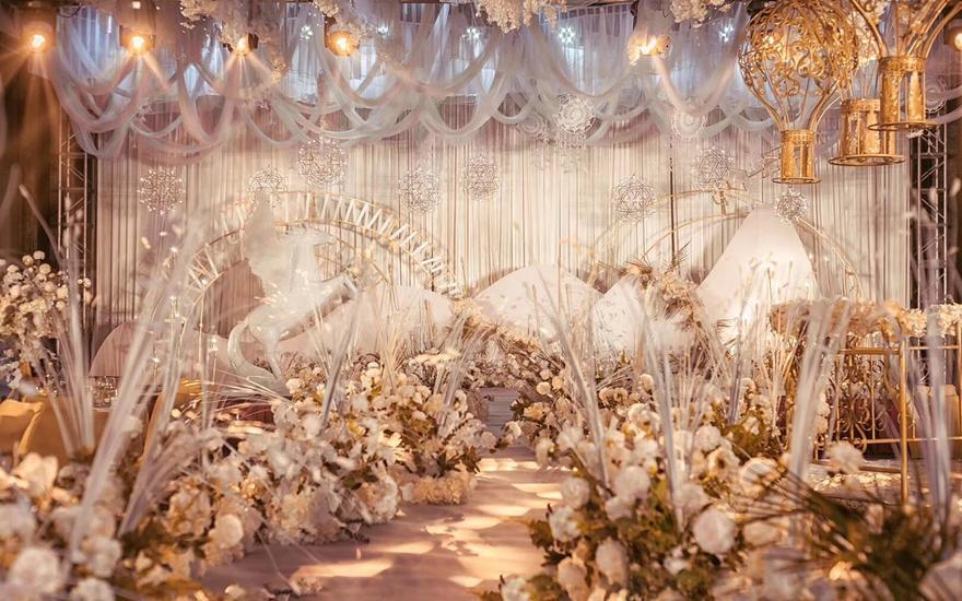 晟世香槟色金色满堂花艺婚礼