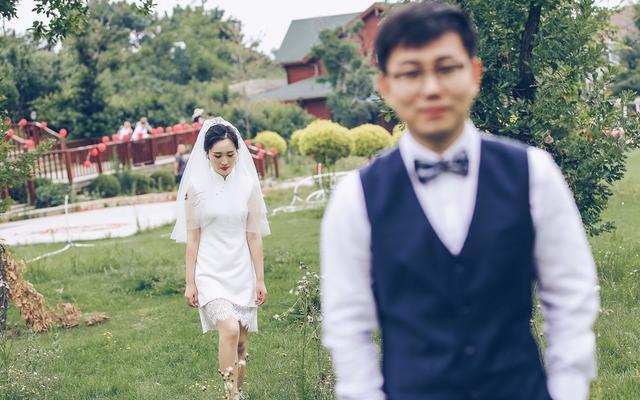"""李康婚礼纪实:她在婚礼上送他一只亲手做的""""柯基"""""""