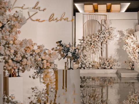 2月特殊时期专享/香槟浪漫主题婚礼 布置+人员
