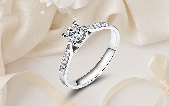 余生漫漫,真爱真情守候显钻石戒指「视你若珍宝」