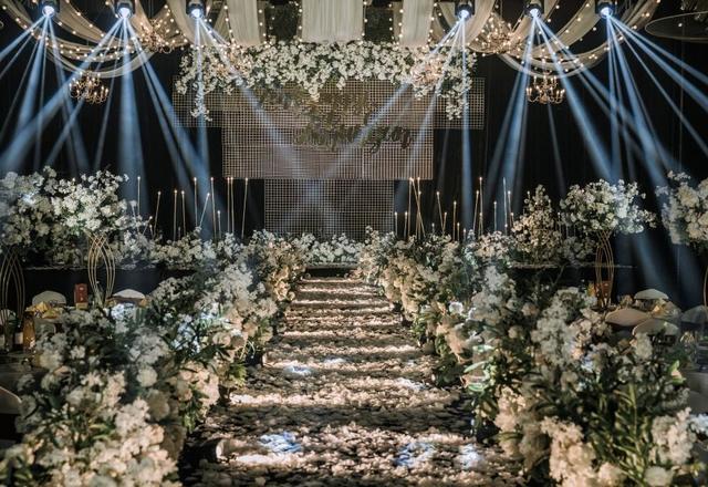 《向你而生》室内大气森系婚礼