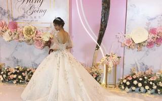 Phoebe菲比婚纱礼服工作室
