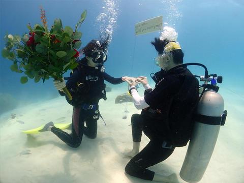 喜宝旅拍马来西亚仙本那2人摄影沙巴旅游潜水深潜