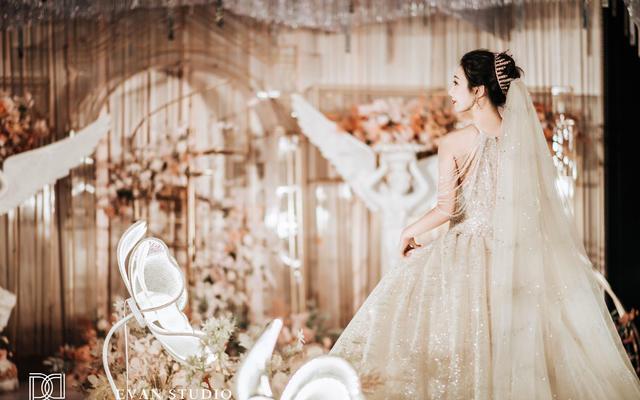【希若婚纱】现场婚礼婚纱