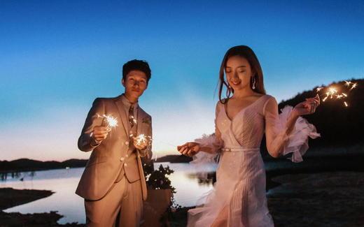 森系黄昏夜景系列——巴黎世家婚纱摄影