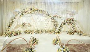 黄白色简约清新婚礼含司仪摄影摄像化妆
