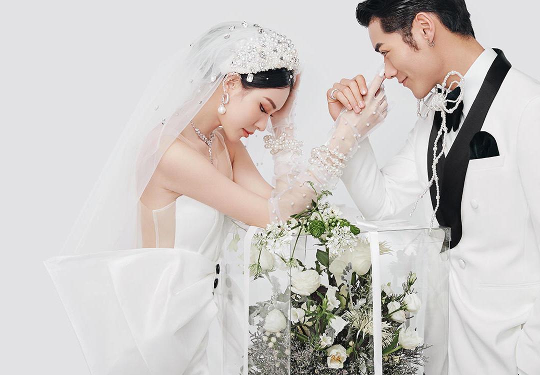 【人气爆款】光影高定系列婚纱照摄影+热拍风格任选