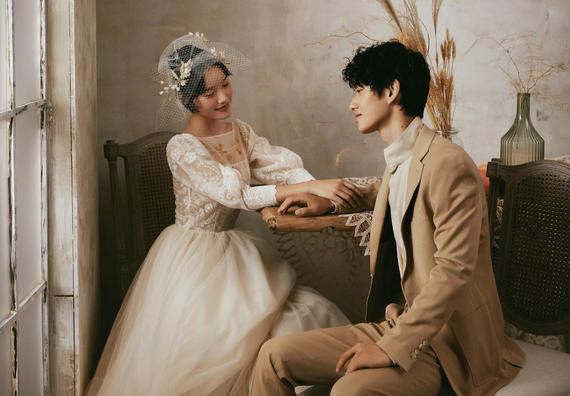 【人气爆款】文艺复古婚纱照,预约咨询赠送伴手礼
