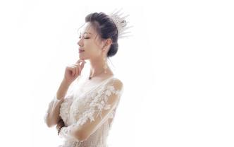 【欣薇】 金牌化妆师 + 量身定制3个造型