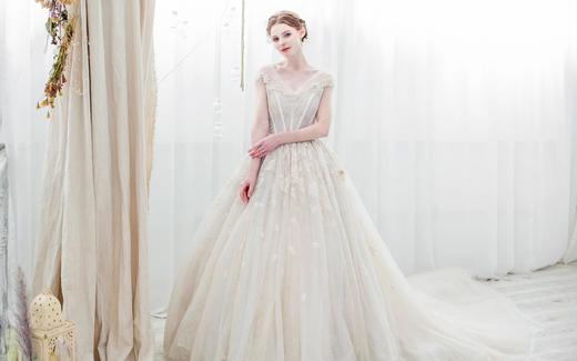 PINKY 春季新款 轻奢婚纱