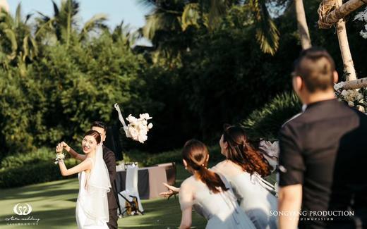 一场独特的婚礼 一切都要定制 只因我们是我们