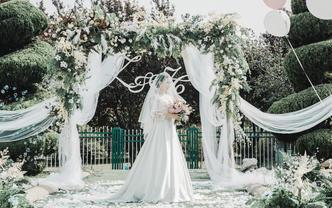 鹿刻Luck婚礼摄影-首席单机底片全送-婚礼必备
