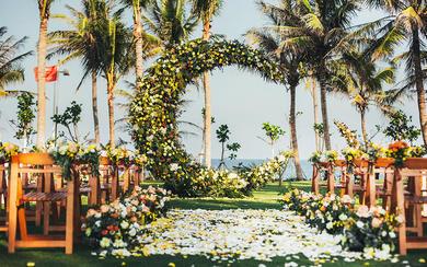 三亚蔷薇婚礼【你是我的月半圆】