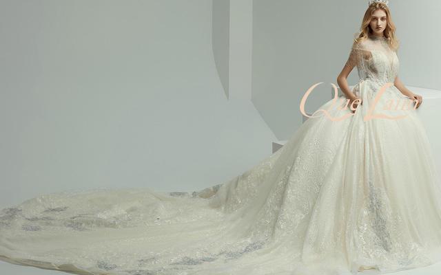 原价7560的婚纱西装套餐现在活动价只要5299