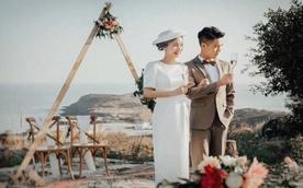 送婚纱+五星酒店+5天网红地旅游+顺丰包邮