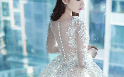 【Flipped婚纱】美背大牌拖尾主纱