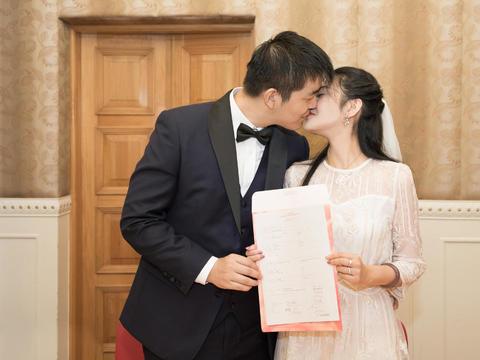 领证也当婚纱拍 精修60电子请帖必备