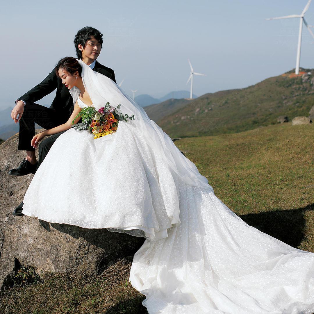 火爆朋友圈的#超高性价比婚纱照